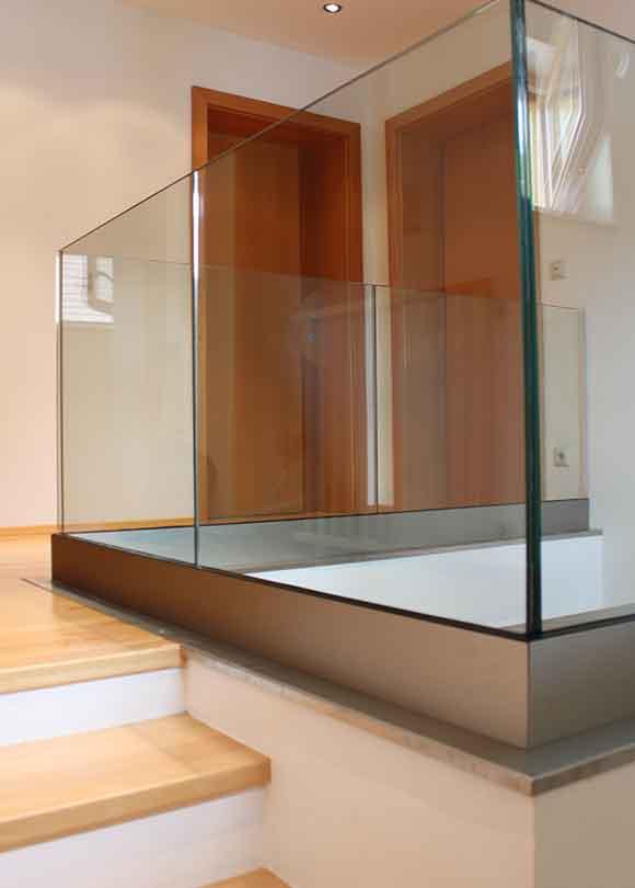 Stiegen-Balkonverglasung